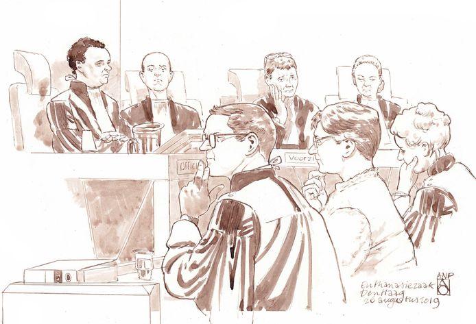 Rechtbanktekening van verpleeghuisarts Catharina A. tijdens de zitting in de rechtbank van Den Haag.