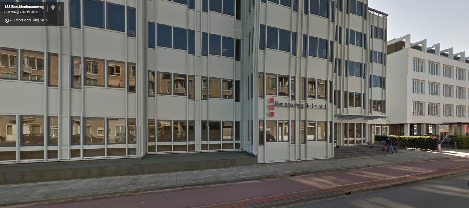 Het pand van Reclassering Nederland aan de Bezuidenhoutse weg. Het salaris van één van de bestuurders was in 2012 hoger dan de norm van 194.000 euro.