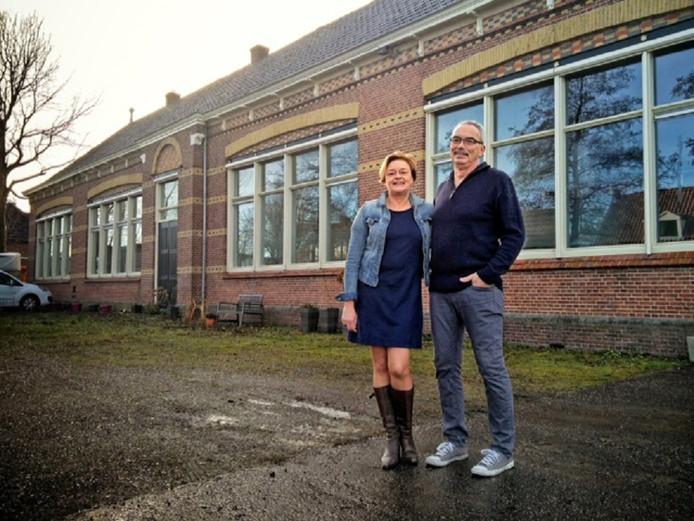 Carla en Duurt van der Veen balen nog steeds maar kunnen inmiddels weer lachen door de mooie afloop  van de zaak.