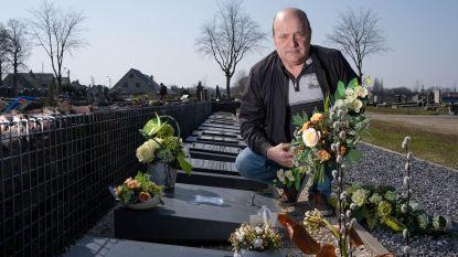 """Guido ontdekt grafbloemen echtgenote in container van gemeente: """"Nog geen week na de begrafenis"""""""