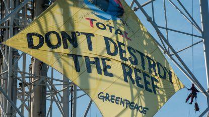 Actievoerders Greenpeace na protest bij Total opgepakt