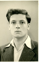 Schlomo Samson in 1942, uit zijn tijd in Elden. Hij bracht zijn foto's kort voor deportatie onder bij een fruitkweker in Huissen. Die kweker gaf hem alles weer terug na de oorlog