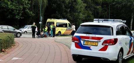 Scholier gewond aan zijn been bij aanrijding op rotonde in Cuijk