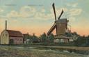 De Bavoortse molen met boerderij in Leusden,  nabij het Molenhoekje. Ten onrechte staat op deze ansichtkaart 'Amersfoort' vermeld. De molen werd in 1917 afgebroken.