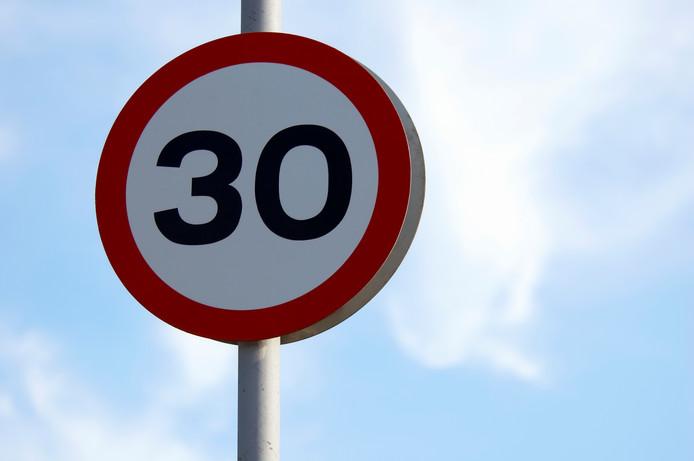Er mag niet harder dan 309 kilometer gereden worden in grote delen van Elst