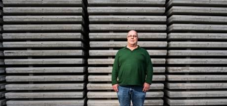 Rein (66) stopt dan toch bij de betonfabriek: 'Ik heb 4 dagen extra gewerkt om de 50 jaar te halen'