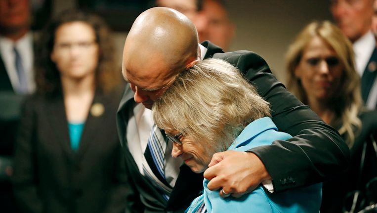 Moeder Patty Wetterling met haar zoon Trevor.