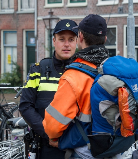 'Brandweeragent' houdt overvaller aan in Dordrecht, tweede dader spoorloos