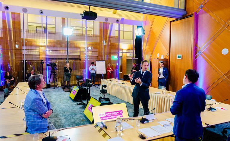 In de Tweede Kamer werd een rondetafelgesprek gehouden over de corona-app. Beeld ANP