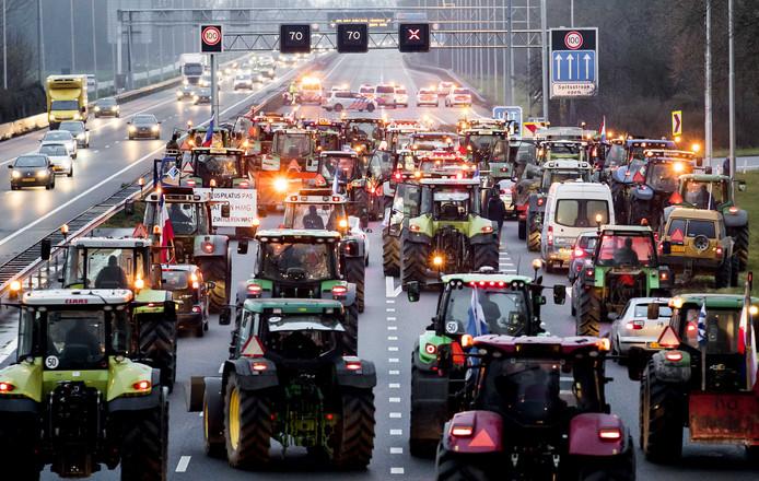 Boze boeren gingen tijdens hun protest op 18 december de snelwegen op. Actievoerende boeren willen deze keer de snelwegen mijden.