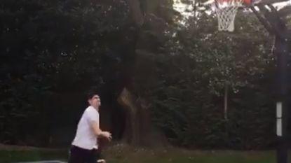 Thibaut Courtois etaleert zijn basketkunstjes en dat is ook NBA'er niet ontgaan