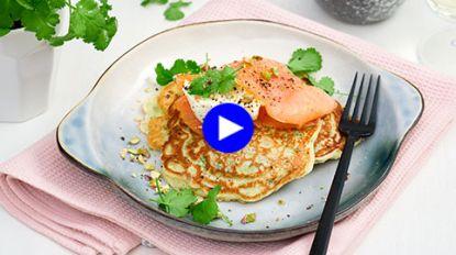 Pannenkoeken als (lichte!) lunch: deze kruidenflensjes met gerookte zalm zijn goddelijk
