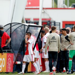 Van der Sar keurt ongeregeldheden Ajax-Feyenoord O19 af