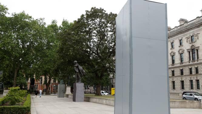 Opnieuw protest gepland: standbeeld van Churchill in Londen uit voorzorg ingepakt