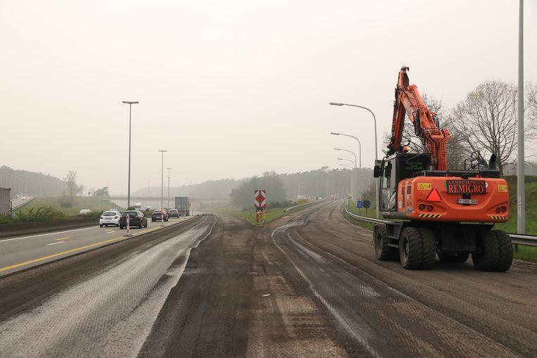 Door het slechte weer werd er dit weekend niet gewerkt aan de E17 in Waasmunster richting Antwerpen.
