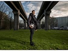'Mijn ouders vinden de voetbalwereld vreselijk, ik snap dat wel'