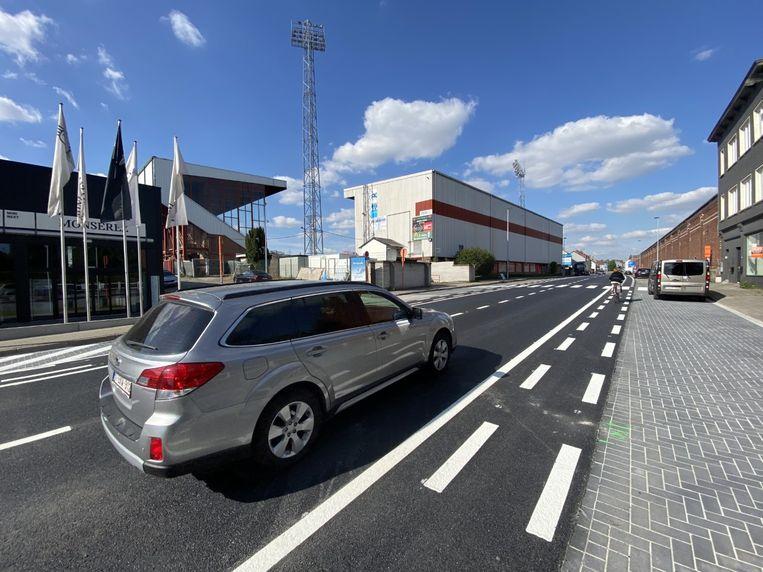 De Meensesteenweg zit in een nieuw jasje, tussen het Guldensporenstadion en begraafplaats Sint-Jan