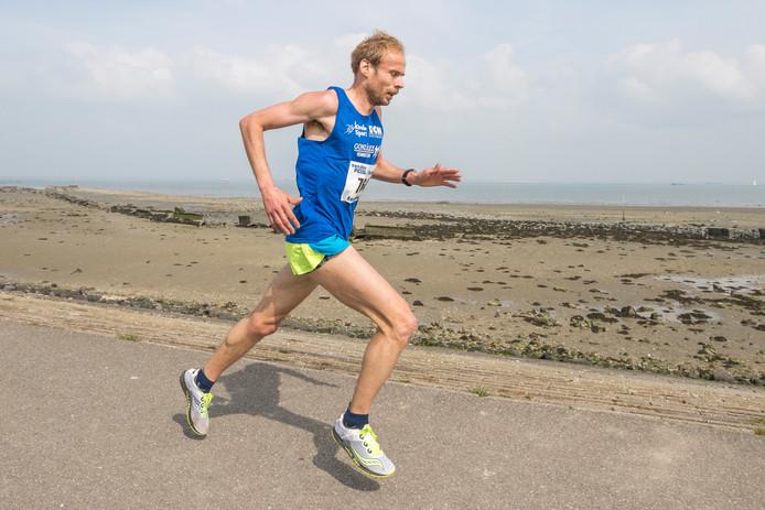 Erwin Harmes loopt in Enschede net geen persoonlijk record.