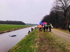 Ronald redde man uit zinkende auto in Bergentheim: 'Koud water? Daar denk je niet bij na'