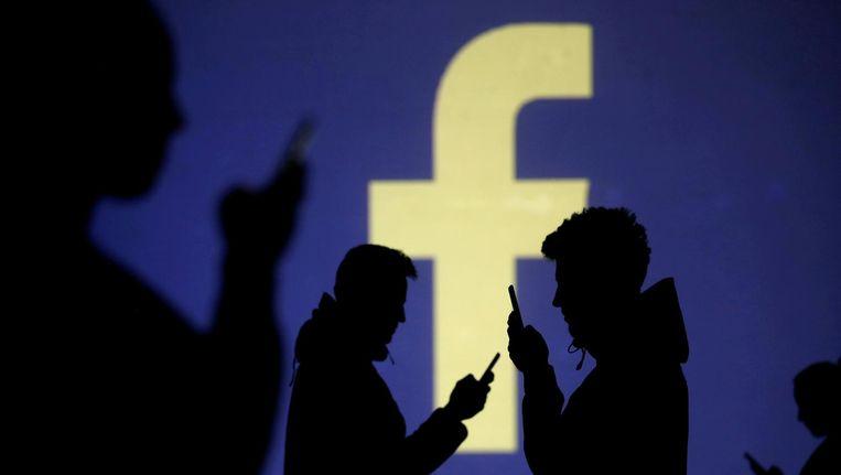Een platform als Facebook moet elke upload gaan controleren op auteursrechtelijk beschermd materiaal. Beeld Reuters