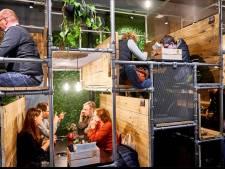 """Uniek zitsysteem Poule en Poulette blijkt visionair te zijn: """"Dankzij zelf uitgevonden en gepatenteerde zitplaatsen kan je in afgesloten bubbel zitten"""""""