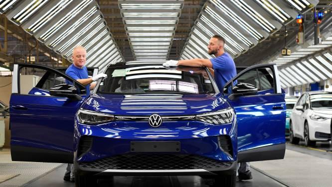 Volkswagen gaat strijd aan met Tesla en geeft meer uit aan ontwikkeling elektrische auto's