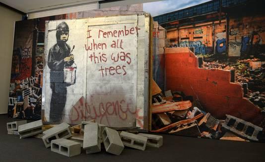 Muurschildering 'I Remember When All This Was Trees', die vorig jaar verkocht werd voor 137.000 dollar.