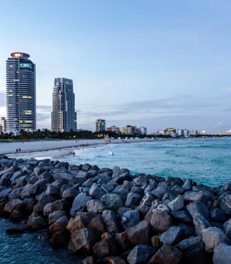Schuddende kantoren in Miami door zeebeving in Caraïben
