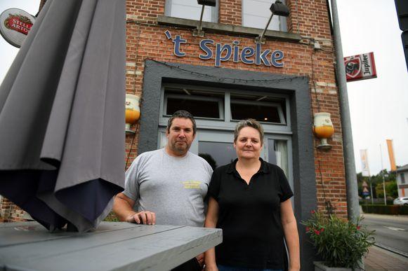 Patrick Van den Brempt (52) en Sandra Brabants (49) van Café 't Spieke in Keerbergen