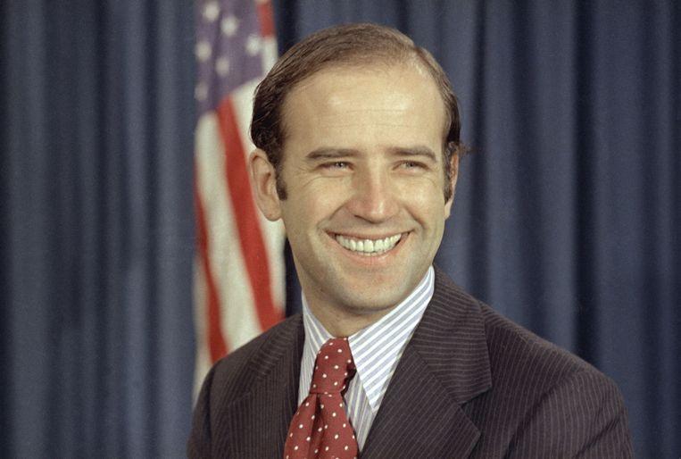 Joe Biden in 1972, toen hij net was gekozen als Democratisch senator. Hij staat onder druk van zijn concurrenten en de linkervleugel van de partij om zich te verantwoorden voor standpunten uit zijn lange loopbaan in de Senaat. Beeld null