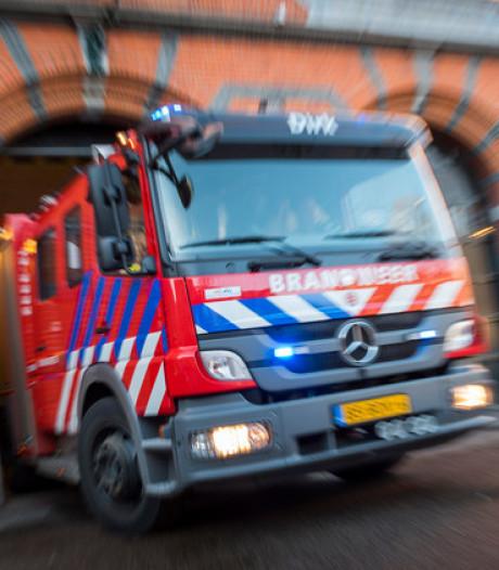 Forse rookontwikkeling bij brand in loods in Veenoord