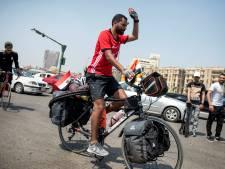 Egyptische voetbalfan per fiets naar WK