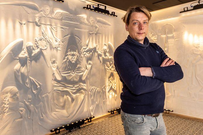 Een museum waar de Vlaamse primitieven in plaaster nagemaakt werden waardoor je ze in reliëf kunt zien.