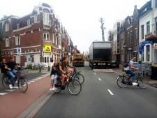 Gevaarlijkste punt in Brugstraat, leerlingen steken een van de tien gevaarlijkste wegen in Brabant over