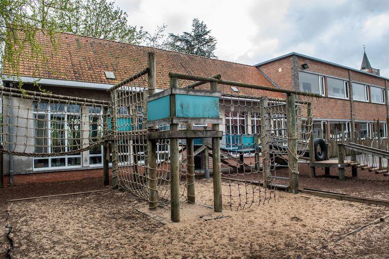 De vrije basisschool in de Kerkstraat wordt afgebroken.