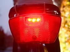 14 fietsers zonder verlichting bekeurd in Voorthuizen