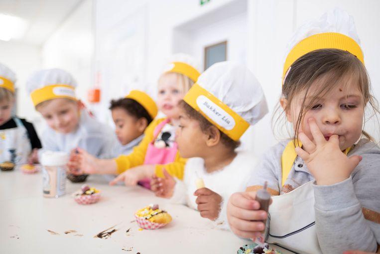 De kleuters van Kleuterschool De Groeituin worden bakkers