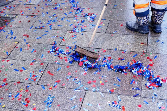 Carnavalsvierders in Hilvarenbeek opgelet. Plastic confetti en serpentine is voortaan verboden op straat.