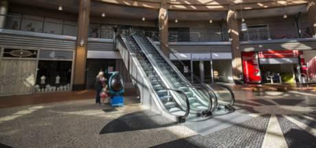 In de Bogaard op de schop: Minder winkels, meer woningen