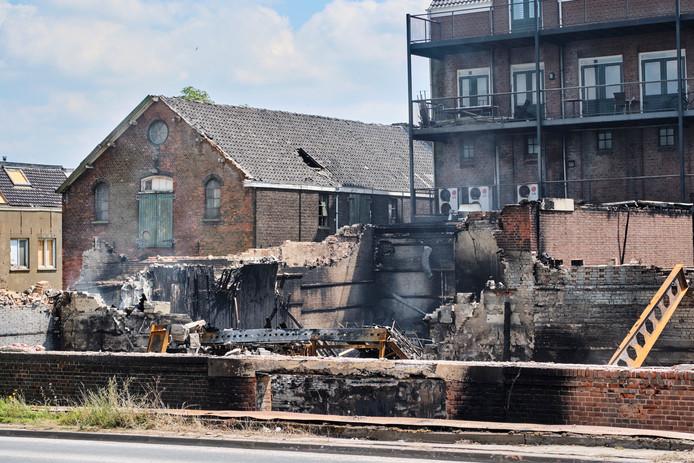 Vlaardingen, de dag na de grote brand aan de Koningin Wilhelminakade.