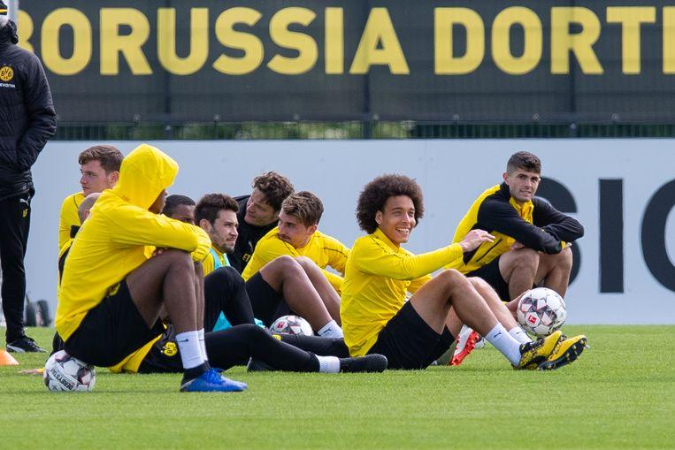 Witsel en co op de laatste training voor de partij op de slotspeeldag tegen Mönchengladbach.