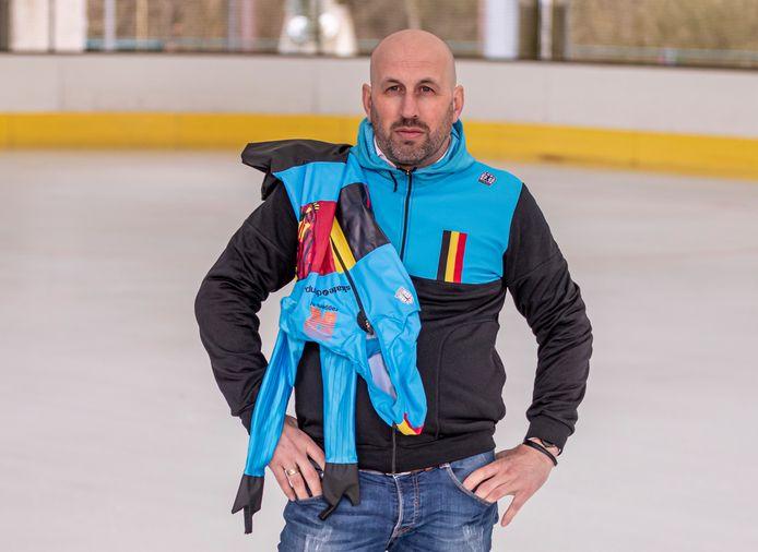 Corné Lepoeter: ,,Dat Sjinkie Knegt weer op het ijs stond, vond ik prachtig. En ik zie ook graag Suzanne Schulting winnen. Maar ik kreeg pas echt een euforisch gevoel toen Stijn Desmet, een Belgisch talent, tweede werd. Het was zijn eerste medaille bij een World Cup. Zulk succes ervaar ik dan ook als mijn succes.''