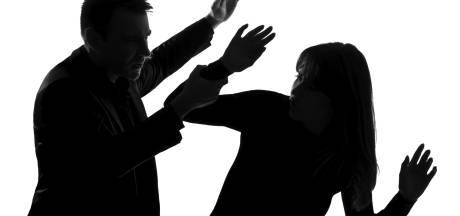 Man uit Eindhoven slaat vriendin; officier eist dertig maanden cel