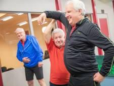 Cor van der Goeten (75) uit Wijhe geeft al 57 jaar gymles, maar denkt niet aan stoppen