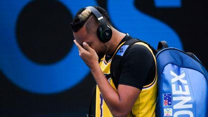 Emotionele Kyrgios met shirt van Bryant de baan op tegen Nadal