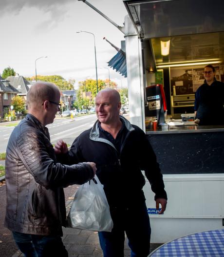 De meest iconische viskraam van Apeldoorn staat te koop: wie krijgt de zware erfenis van Berry en Janine?