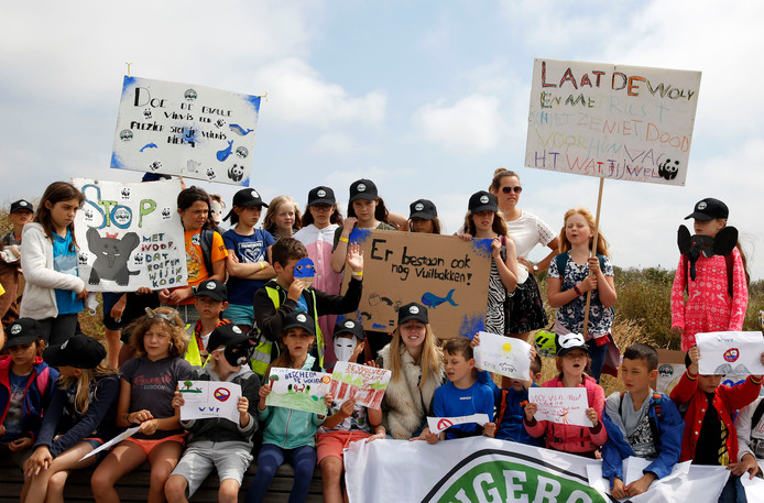 Belgische kinderen voeren actie voor de dieren onder de vlag van het Wereld Natuur Fonds.