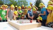 Kinderen Triangel maken kennis met nieuwbouw