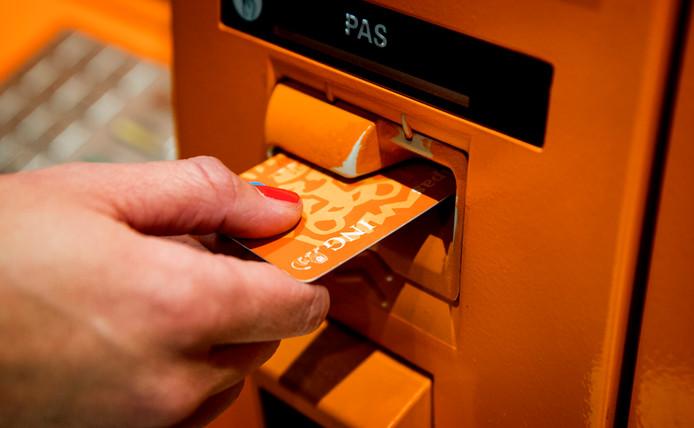 Een oude pinautomaat van ING, inmiddels worden de pinautomaten vervangen voor gele Geldmaten. De gezamelijk
