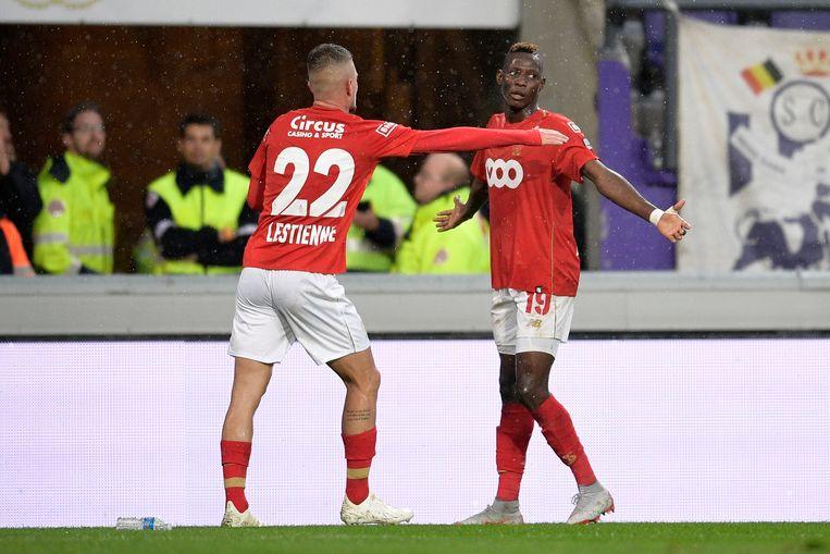 Djenepo en Lestienne vieren na de 0-1.